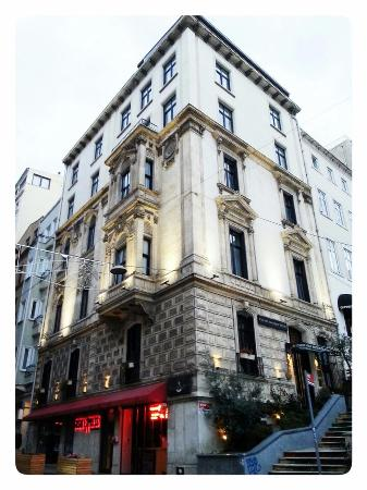 Galata Antique Hotel : Outside view