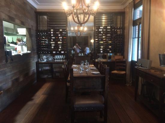 Graze Willow Tree Inn: Restaurant and kitchen