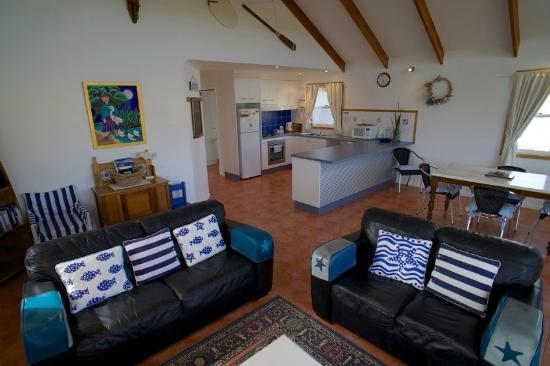Dunes at Robe : Blue Cottage living area