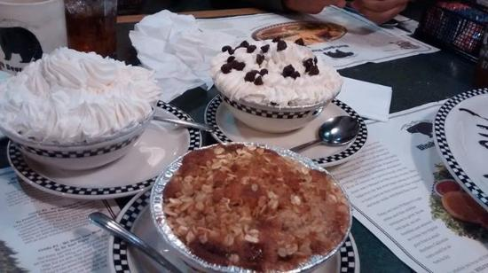 Gridley, CA: The last bit which was desserts. Way too much for me