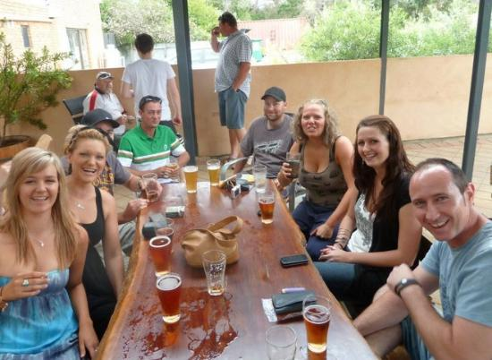 Yankalilla, Australien: Sit out in the Sports Bar Beer Garden