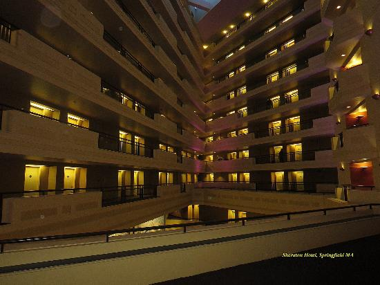 Sheraton Springfield at Monarch Place: interior of hotel