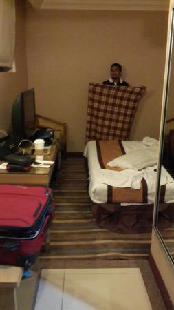 Tang Dynasty Hotel: 20151107_214306_large.jpg