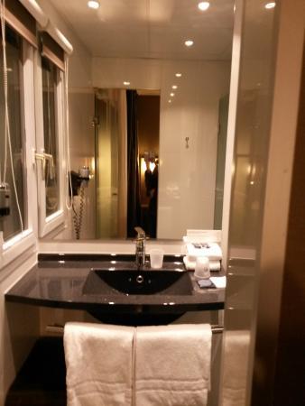 Hotel Escale Oceania : Душевая