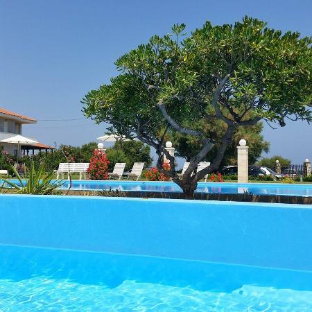 Chryssana Beach Hotel: la piscina