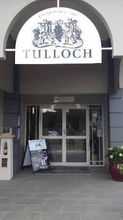 Tulloch Wines: Entry to the main cellar door