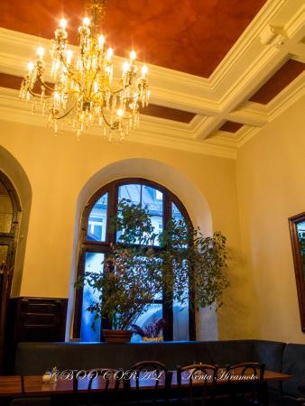 Hotel-Pension Mariandl: 朝食のダイニングホールは,こんな感じの場所です.