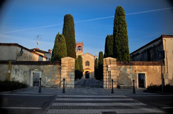 Abbazia Benedettina Olivetana di San Nicola
