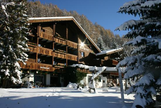 Chalet Hotel Senger - im Schnee