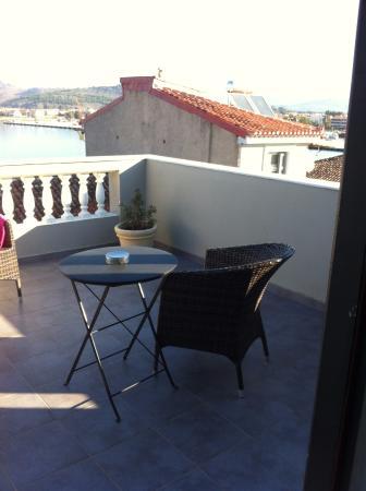Aion Luxury Hotel: Το μπαλκόνι