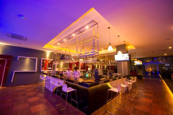 Piano Bar & Grill