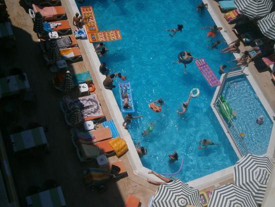 Sifalar Apart Hotel: yukarıdan havuz