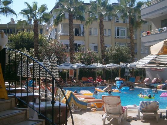 Sifalar Apart Hotel: havuz