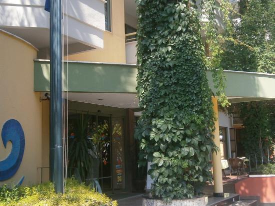 Sifalar Apart Hotel: otel girişi