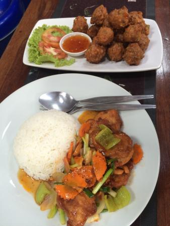 Safety Stop Koh Tao: yum yum chicken cashews and veg no name .