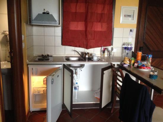 Küchenschränke - Picture of Kallisti Apart Hotel, Potos - TripAdvisor | {Küchenschränke 34}