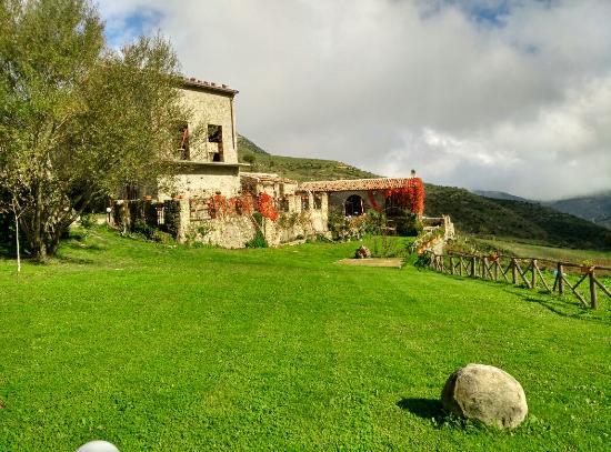 Montalbano Elicona, Italia: IMG_20151108_125934_HDR_large.jpg