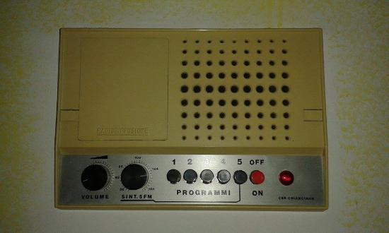 Albergo Santa Lucia: il radio nel muro mi e piaciuto troppo