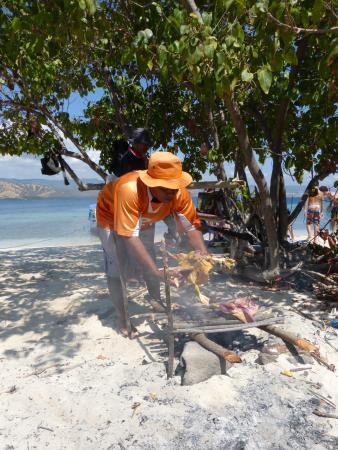 Bintang Wisata Riung: Bebek au BBQ sur une ile déserte ay large de Riung