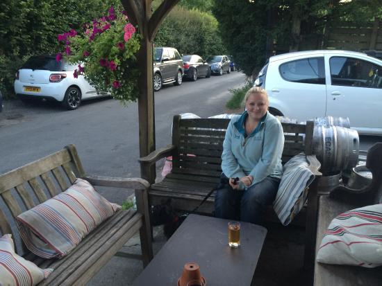 Hawkley Inn: Lovely front terrace