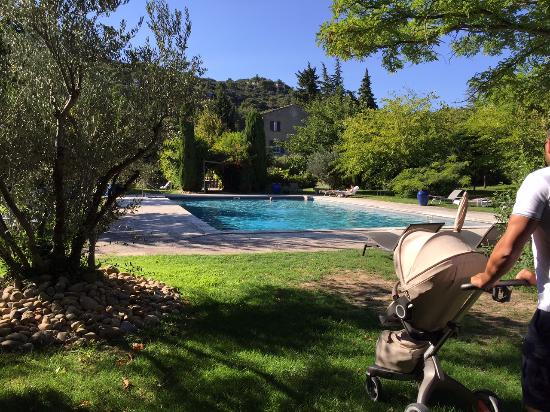 the pool photo de baumani re les baux de provence les baux de provence tripadvisor. Black Bedroom Furniture Sets. Home Design Ideas