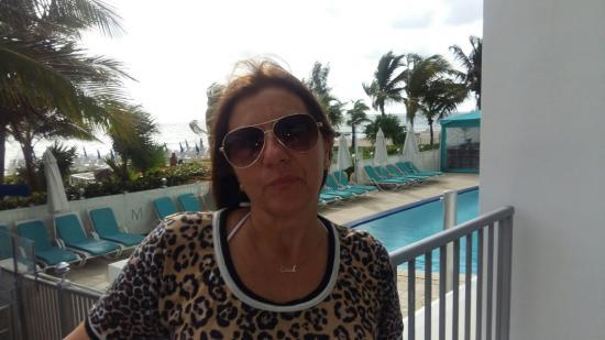 Sunny Isles Beach, FL: Piscina