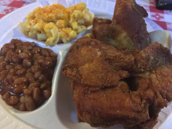 Gus's World Famous Fried Chicken: photo0.jpg