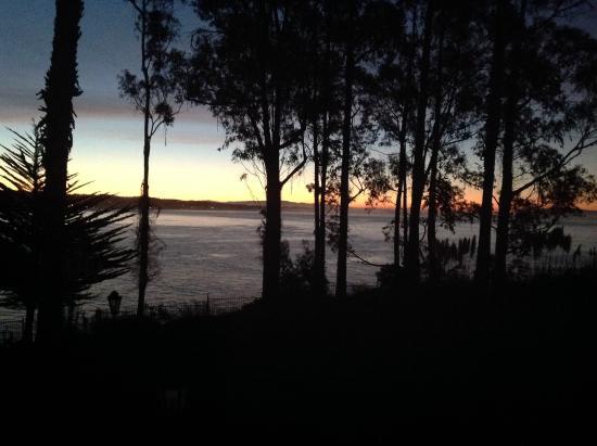 Monarch Cove Inn: Sunset