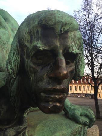 GJ Residence Na Vinohradu: Stanislav Sucharda's Frantisek Palacky monument detail. Story @ http://www.praguestory.com/2013/