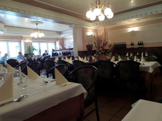 restaurant roma garching bei m nchen rathausplatz 7 restaurant bewertungen telefonnummer. Black Bedroom Furniture Sets. Home Design Ideas
