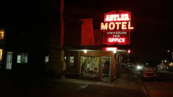 Antler Inn: 20151105_214622_large.jpg