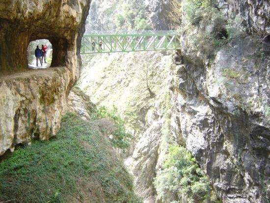 Prioro, Spain: Destinos cercanos: Ruta del Cares