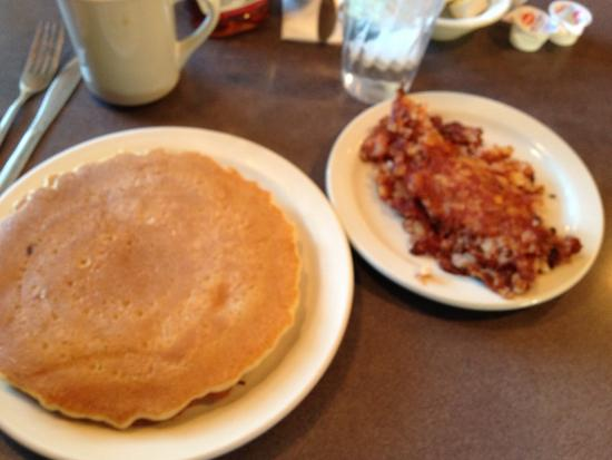 Macedon Hills Restaurant - pancakes with corned beef hash