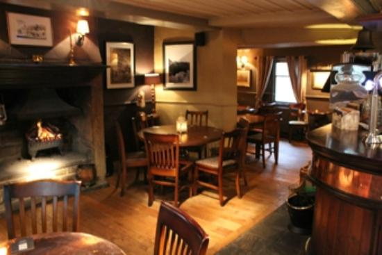 The White Lion Hotel: BAR AREA