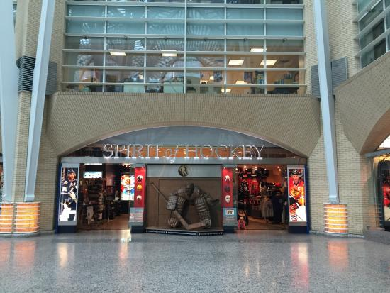 Photo of Tourist Attraction BCE Place at 161-181 Bay St, Toronto M5J 2S1, Canada
