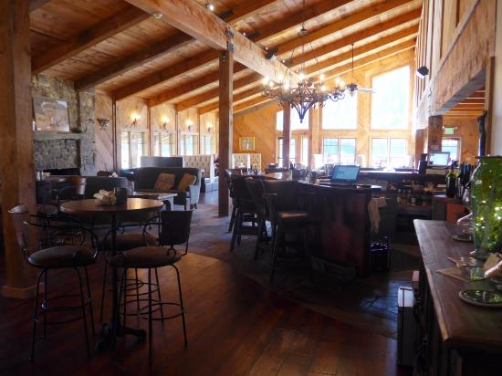 Mill Creek, Califórnia: Bar area