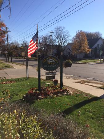 MacDougall House Bed and Breakfast: welcoming and easy to find