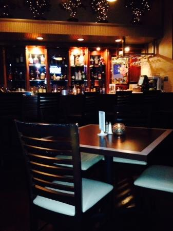 Montmartre Restaurant: Bar area