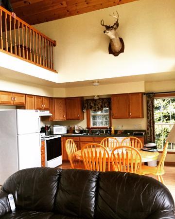 Pittsburg, Nueva Hampshire: Edgewater Cabin - fully furnished kitchen