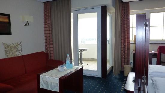 Sitzecke Und Balkon Bild Von Akzent Hotel Lowen Langenargen