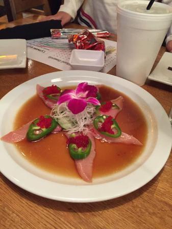 Tsunami Japanese Restaurant: アメリカ風さしみ