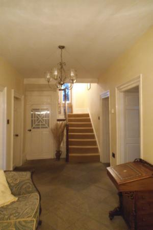 Rushop Hall: Entrance way