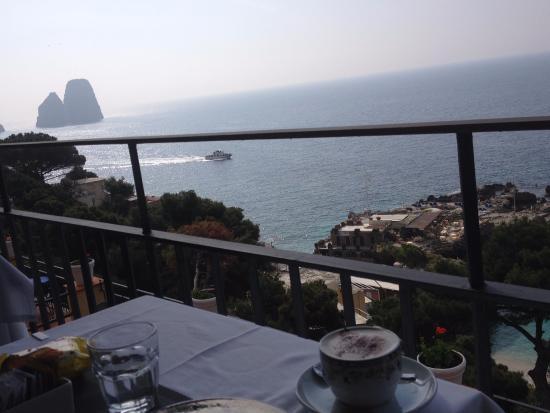 Hotel Weber Ambassador Capri: Panorama a colazione