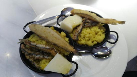 Валье-де-Лекрин, Испания: Estupendìsimas tapitas en Bar Garvì Talará LECRIN