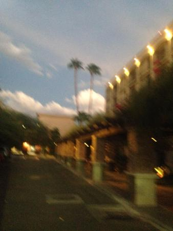 Araiza Mexicali: walking around the hotel