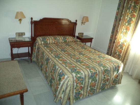 Hotel Restaurante Juanito : cama