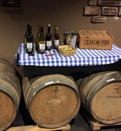 Quai Du Vin Estate Winery: Double Date Day Fun!