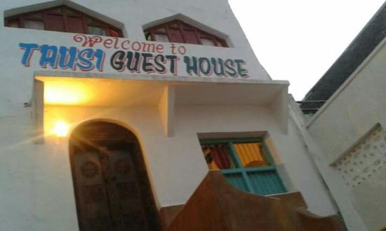 Tausi Guest House