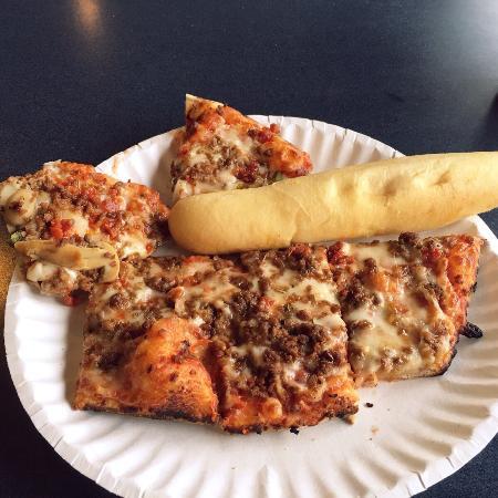 Sellersburg, Indiana: Pizza buffet
