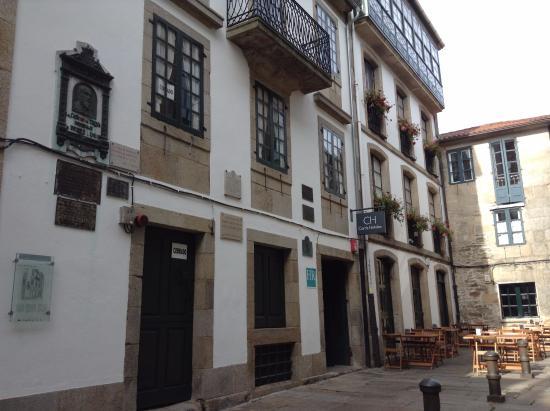 The Hospital Real: Fachada sobre Rua de la Troya